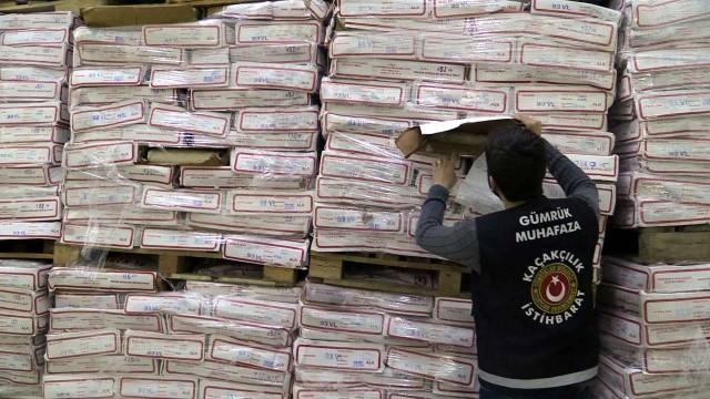 Mersin Gümrü?ünde Bin Ton Kaçak Et Piyasaya Sürüldü