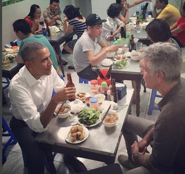 obama-unlu-sef-bourdinle-yemek-yedi,W6bUuMkaekCpthDWbw4SxA