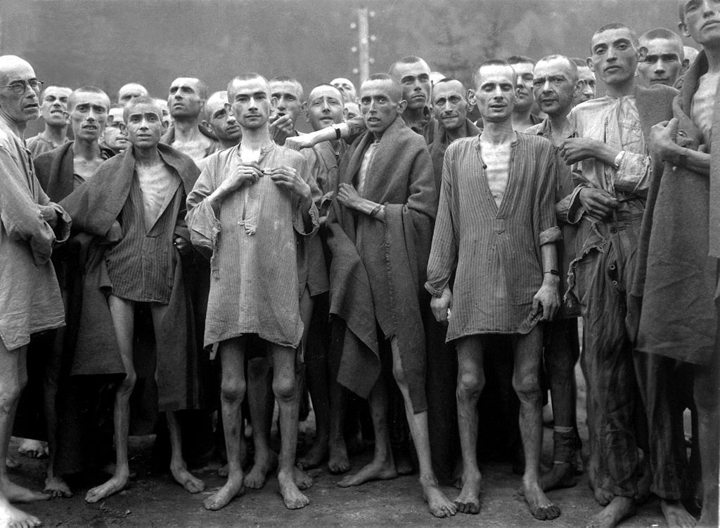 1024px-Ebensee_concentration_camp_prisoners_1945