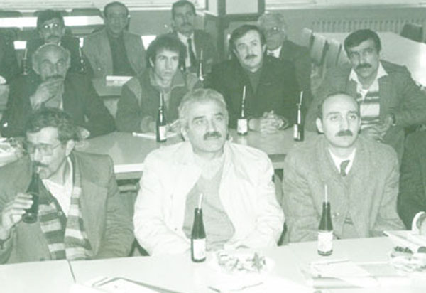 Başkan Şemsi Bayraktar 1980 ortalarında Sakarya'da Pak Tavuk seminerinde