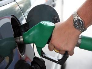 diesel-filling-car