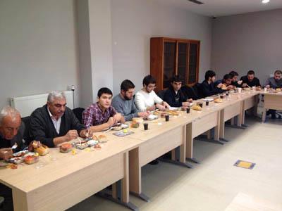 Ankara Üniversitesi Veteriner Fakültesi öğrencileri Bursa Veteriner Hekimler Odası(nı ziyaret ederek mesleki sohbette bulundular