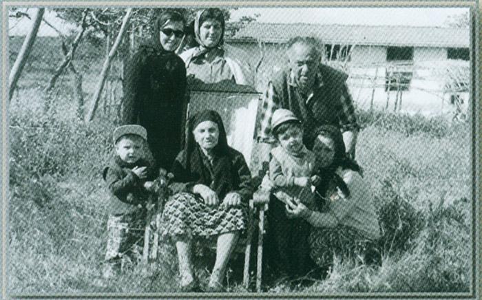 Şirketin kurucusu Hüseyin Bor ve işe çocukları Ali ve Osman ile