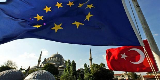 page_avrupa-birligi-2013-turkiye-ilerleme-raporunu-kabul-etti_235967459