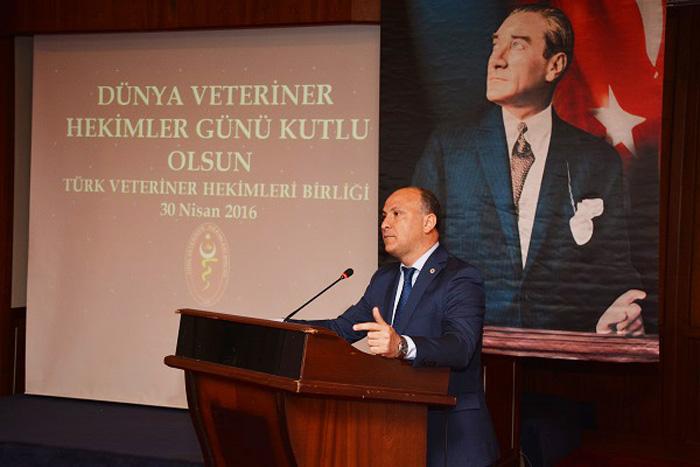 Ankara Üniversitesi Veteriner Fakültesi Dekanı Prof. Dr. H. Oğuz Sarımehmetoğlu