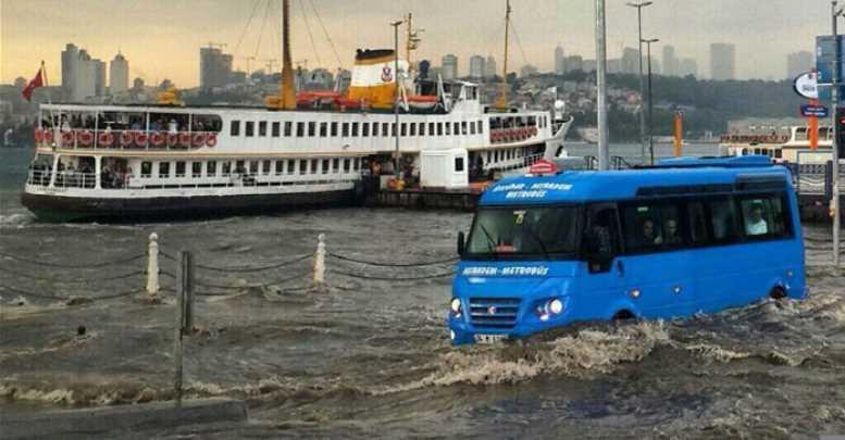 istanbul-yagmura-teslim-oldu