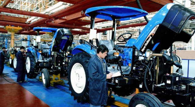 yagmur-yagdi-turk-traktor-un-satisi-patladi-1455339670