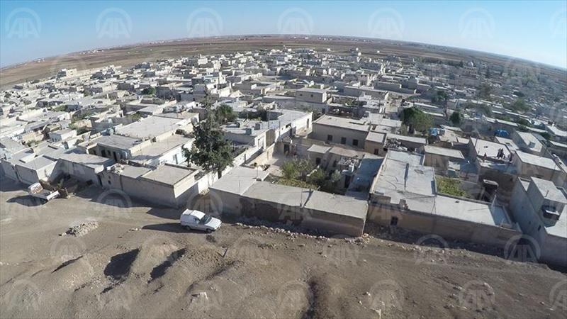 HALEP (AA) - Suriye'de Özgür Suriye Ordusu'nun (ÖSO), Fırat Kalkanı Harekatı kapsamında terör örgütü DEAŞ'ten kurtardığı Dabık, mayın ve el yapımı patlayıcılardan temizlenmeyi bekliyor. ( Anadolu Ajansı - Melda Altakhan )
