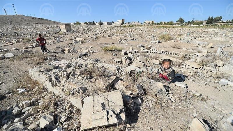 GAZİANTEP (AA) - Türk Silahlı Kuvvetleri Müşterek Özel Görev Kuvveti ve Koalisyon Hava Kuvvetlerince Suriye'nin kuzeyinde terör tehditlerine karşı başlatılan Fırat Kalkanı Harekatı kapsamında özgürlüğüne kavuşan Cerablus'ta hayat, Türkiye'den gelen yardımlarla her geçen gün normalleşiyor. ( Anadolu Ajansı - Halil Fidan )