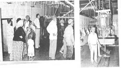 Rahmetli Mehmet Tanrıkulu Göynük Kesimhanesi yapımında işçilerle(Çiftlik Dergisi arşivi)