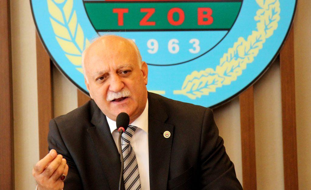 Türkiye Ziraat Odaları Birliği (TZOB) Genel Başkanı Şemsi Bayraktar,  kurbanlık fiyatlarıyla ilgili basın toplantısı düzenledi. (Burak Özkan - Anadolu Ajansı)