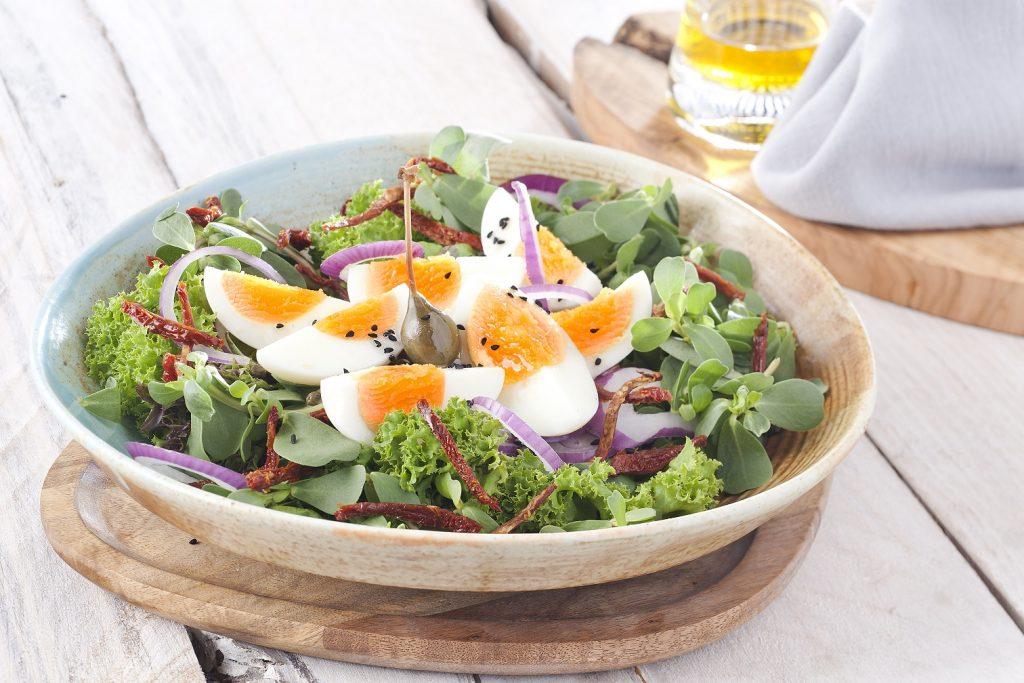 Beyaz et ve yumurtanın sağlıklı beslenmedeki rolü.
